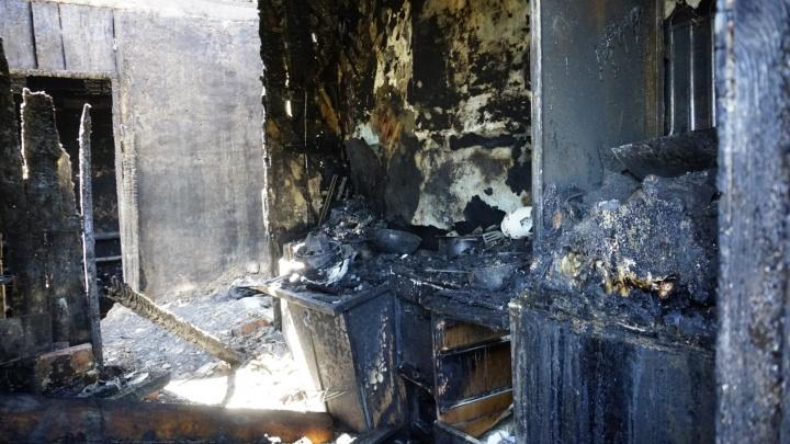 Соседи не смогли пробиться к сгоревшим детям из-за сильного огня