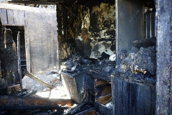 В сгоревшем доме был установлен пожарный извещатель