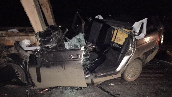 «Лада-Приора» вдребезги: в Самарской области столкнулись КАМАЗ и две легковушки