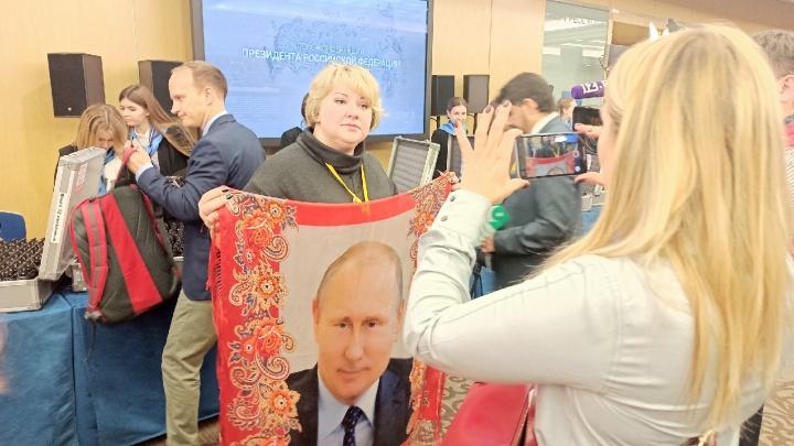 Маскарад и «Поле чудес»: журналист 29.RU рассказал про закулисье пресс-конференции Владимира Путина