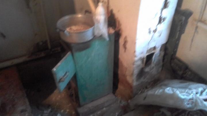 Взрыв прогремел в жилом доме в Волгоградской области: женщину с рваной раной лица увезли в больницу