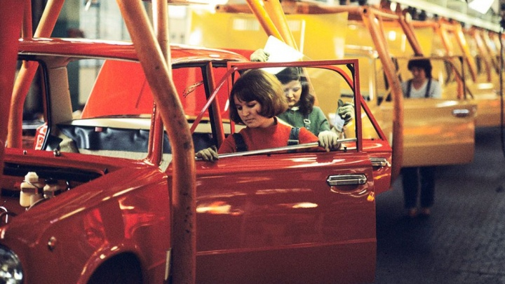 От «копейки» до комфортного универсала: любуемся эволюцией автомобилей Lada