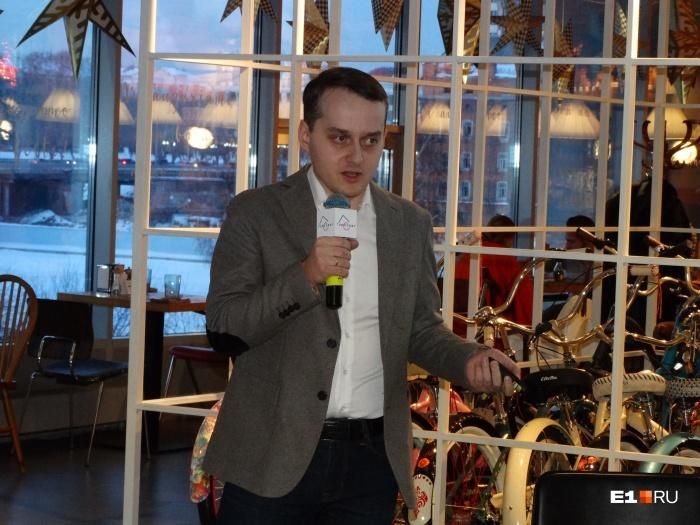Урбанист Владимир Злоказов уверен, что чиновники обустроят 500 метров набережной гранитом, а потом работа по благоустройству затормозится на годы