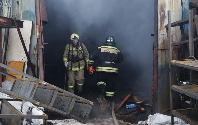 В Уфе из горящего дома эвакуировали 30 человек