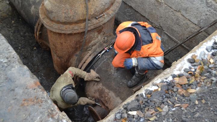 «Водный союз» после ремонта положит новый асфальт на перекрестке улиц Бажова и Невежина в Кургане