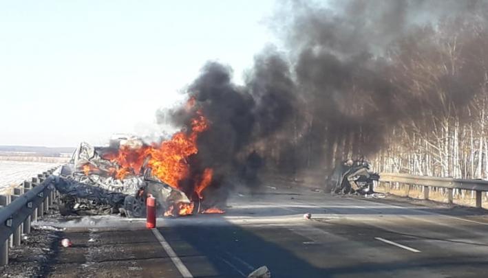 В ГИБДДрассказали о возможном виновнике смертельной аварии на трассе в Башкирии