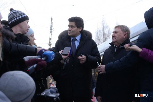 Глава Екатеринбурга Александр Высокинский, по словам спикера думы Игоря Володина, поддержал решение депутатов понизить ему зарплату
