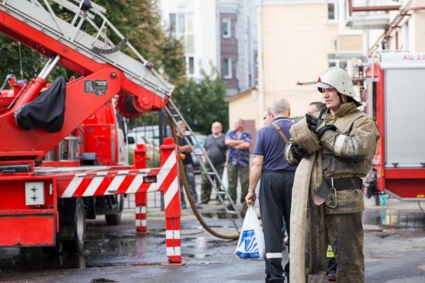Спасатели обнаружили тело мужчины в гараже