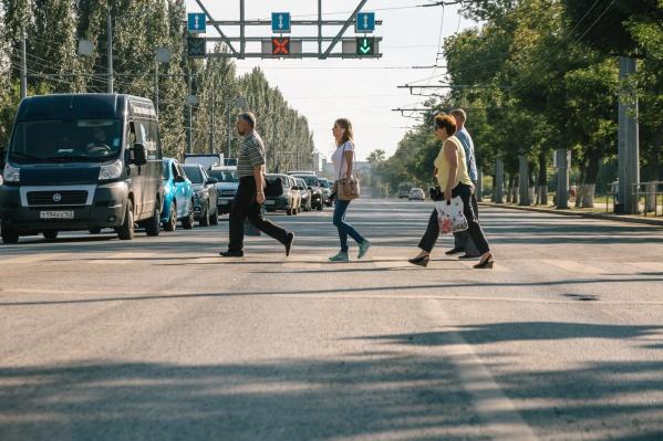 Асфальт вздулся в районе пересечения с улицей Советской армии