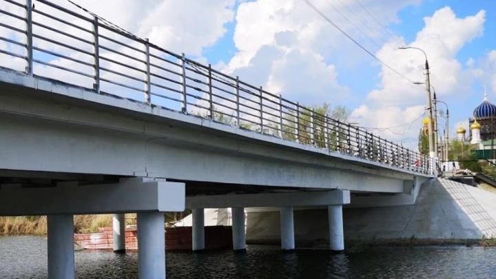 «Надо убрать понтоны»: мост в Городище закрыли через час после торжественного открытия