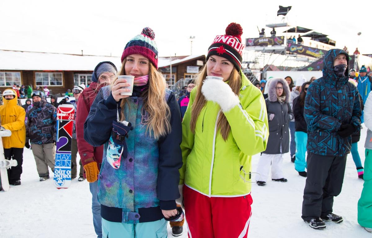Горячий кофе или чай не даст замерзнуть на холоде