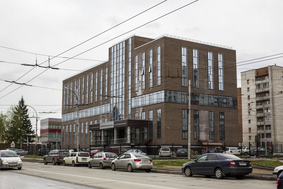 Здание построили внутри трамвайного кольца на улице Писарева