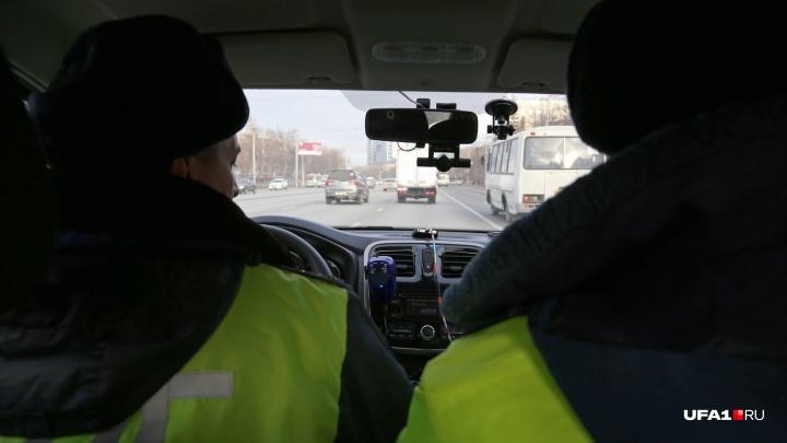 Отказали тормоза: в Башкирии КАМАЗ протаранил четыре стоящие машины