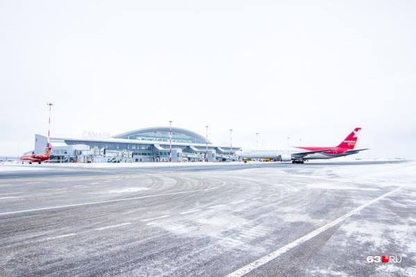 Авиакомпании не решились отправлять самолеты в путь в непогоду