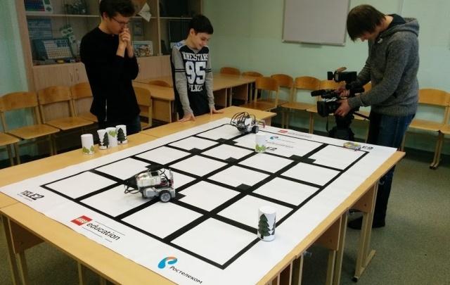 Tele2 наградила юных робототехников