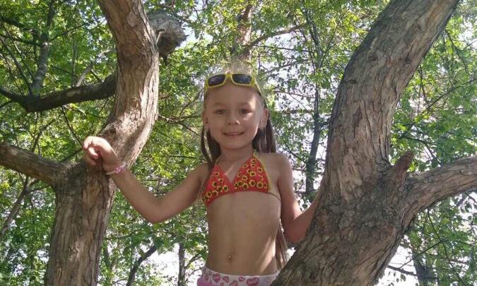 «Мальчик облил розжигом»: на Южном Урале маленькая девочка, отдыхая на озере, получила тяжёлые ожоги