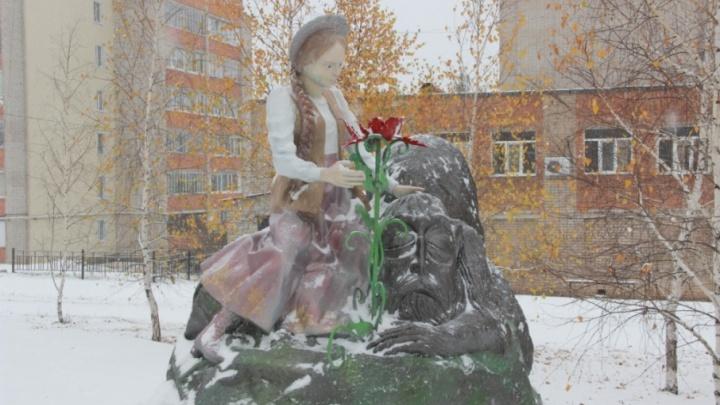В центре Кумертау установили новый памятник по проекту школьников