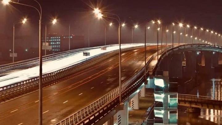На Темерницком мосту установили энергосберегающие светильники