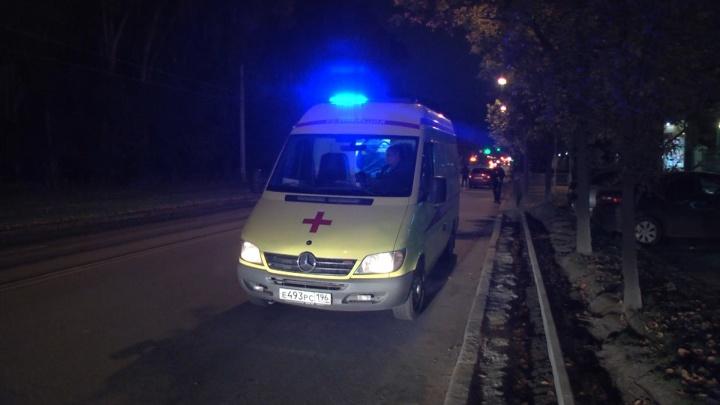 На Вторчермете водитель Lada сбил мужчину, который внезапно выбежал на дорогу