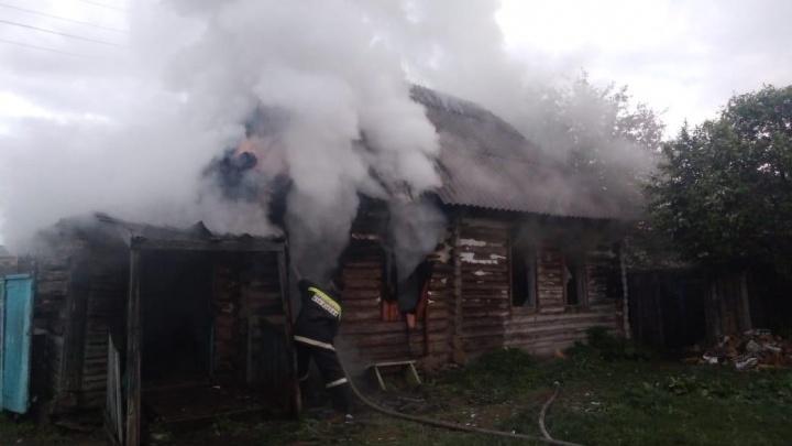 Ночью в Башкирии сгорел дом: в пожаре погиб его хозяин