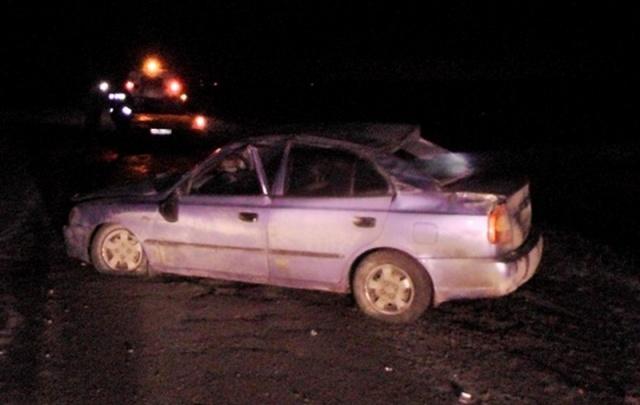 На автодороге в Зауралье перевернулся автомобиль: водитель превысил скорость