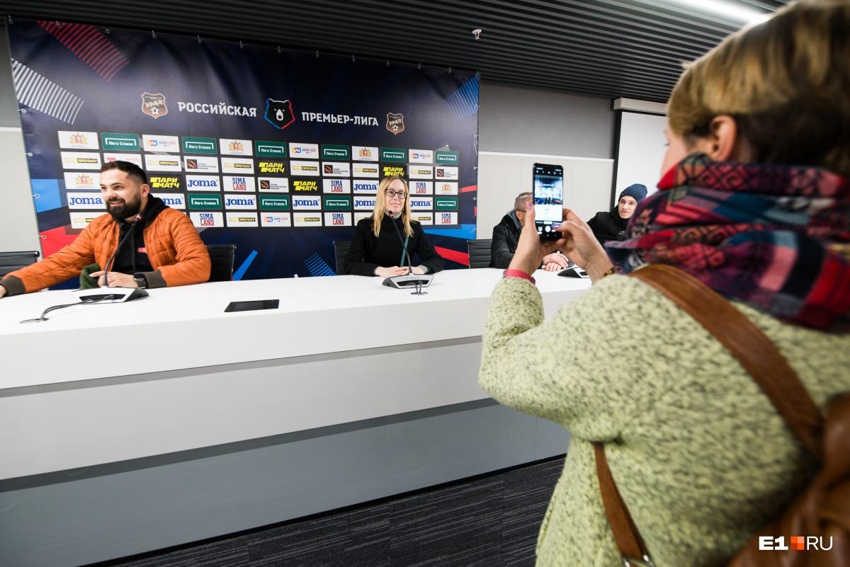 Во время экскурсии каждый мог попробовать дать свою собственную пресс-конференцию