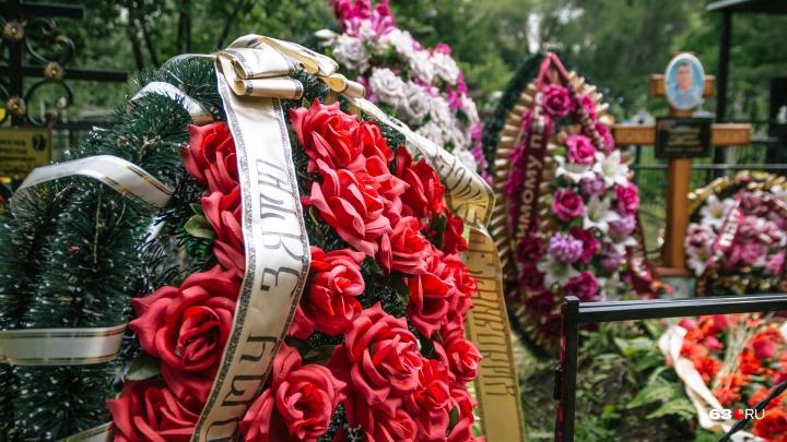 В Самарской области фермер и монтажник трубопроводов погибли на рабочих местах