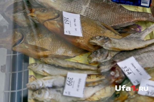 Рыбаки незаконно продавали свой улов