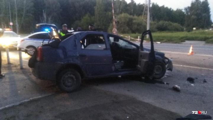 ДТП на Мельникайте с пятью пострадавшими: водитель Mercedes вылетел на красный и врезался вRenault