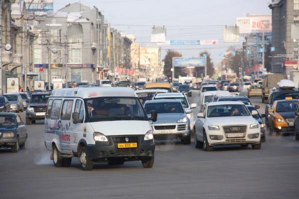 """Водители маршруток <nobr class=""""_"""">№ 330</nobr> регулярно срываются на пассажиров, говорят очевидцы"""