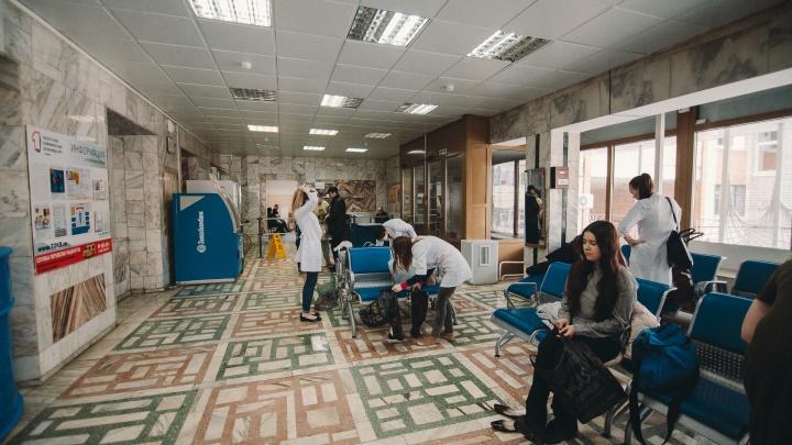 Заразившихся опасной болезнью в тюменском Заболотье становится больше