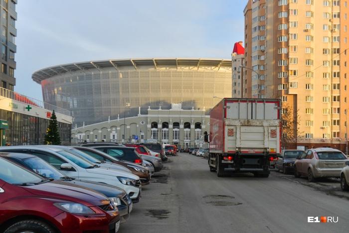 На Ключевской водителям запретили парковаться