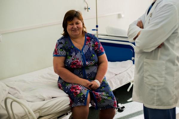 Учительница чуть не потеряла зрение из-за маленькой опухоли — ей сделали операцию 19 сентября