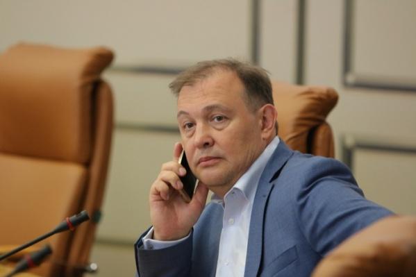 Виталий Тычинин в зале городского совета