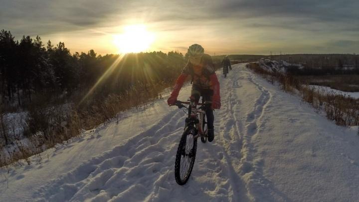 Из-за морозов в Екатеринбурге на неделю перенесли зимнюю велопрогулку
