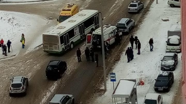В полиции рассказали о пострадавшем в ДТП возле стадиона «Заря»: в больницу попал 14-летний мальчик