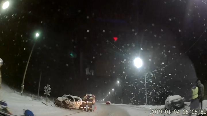 За рулём ехал депутат: подробности смертельной утренней аварии под Ярославлем