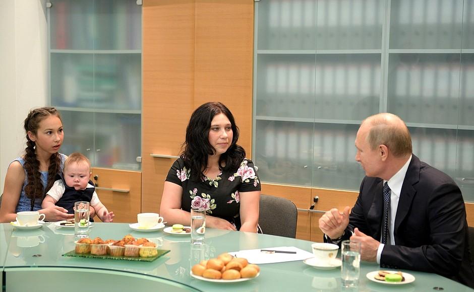 Чаепитие с Владимиром Владимировичем — воспоминание на всю жизнь