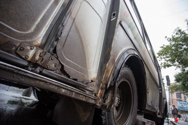 Ржавые пазики начнут убирать с улиц Челябинска со следующего года