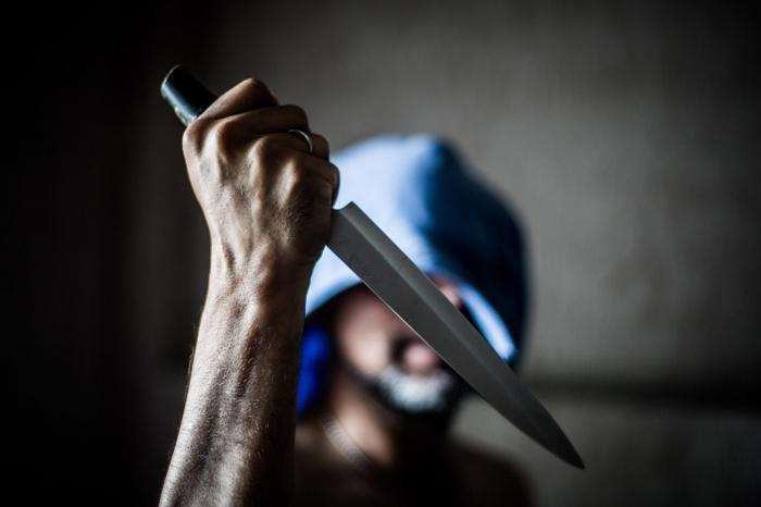 Мужчина убил свою спутницу ножом в спину