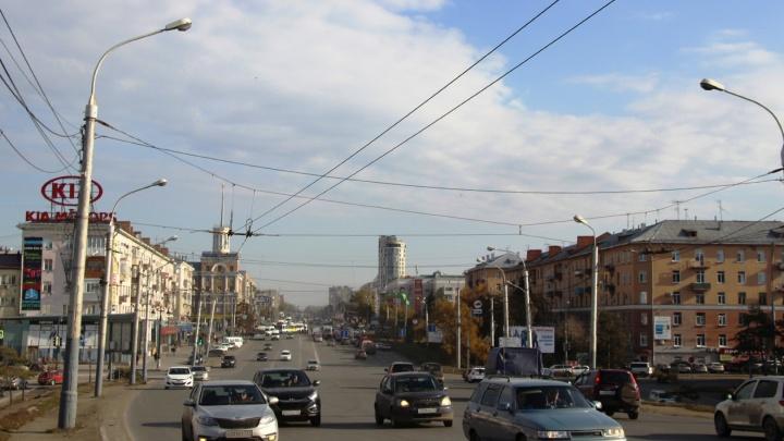 В мэрии предупредили, что утренние пробки на Масленникова продлятся всю неделю
