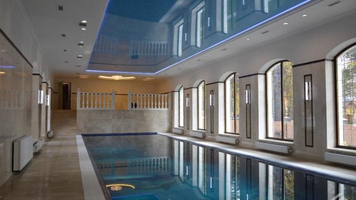 Купаться в миллионах: аналитики нашли в Новосибирске дома с самыми роскошными бассейнами