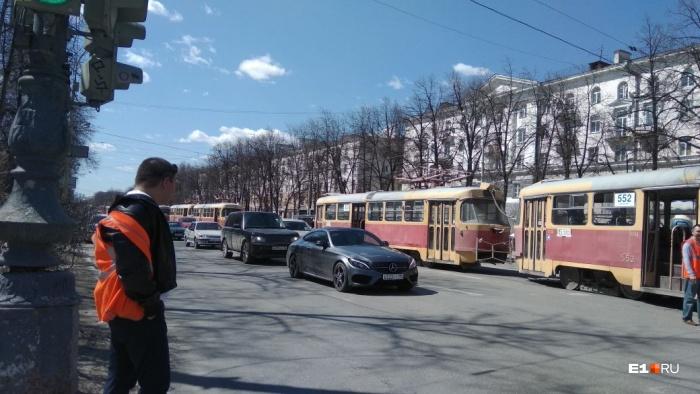 На Ленина выстроилась очередь из трамваев