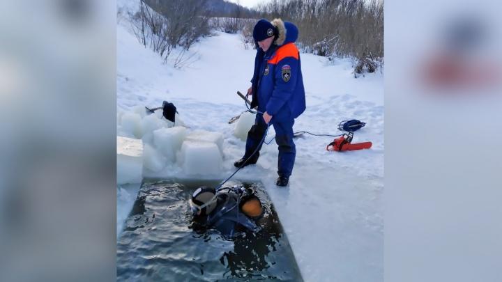 Из реки под Новосибирском достали тело жертвы жестокого убийства