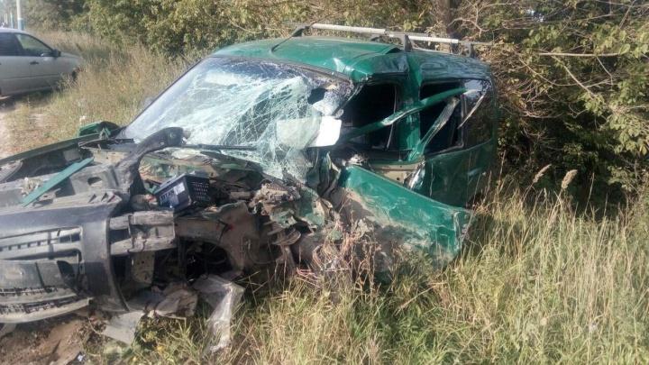 В Арзамасе легковушки столкнулись лоб в лоб. Четырех человек увезли с серьёзными травмами