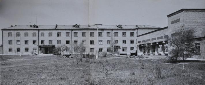 Первое здание онкодиспансера на той же территории, на какой он стоит сейчас