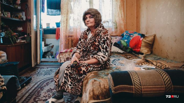 «Осталось пять дней»: в Тюмени из общежития выгоняют онкобольную пенсионерку