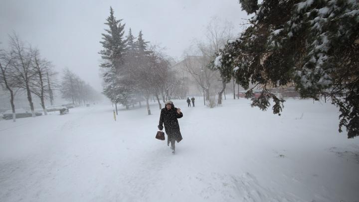 Зима вернулась: на Челябинск надвигаются сильный ветер и снег