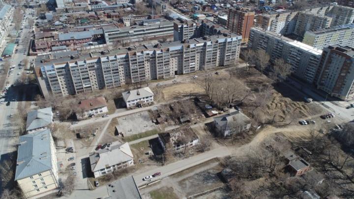 Вместо бараков на Никитина начали строить урбан-виллы с патио на крышах
