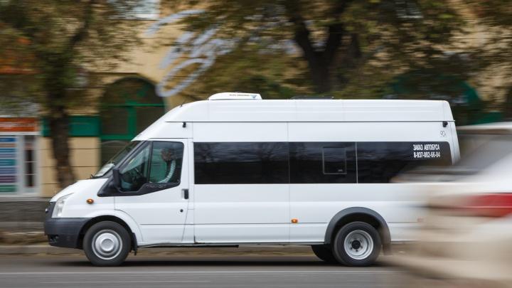 «Подрезала маршрутка»: на севере Волгограда в ДТП попал рейсовый автобус